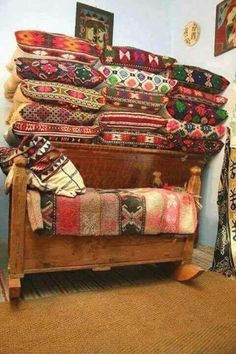 Romania Travel, Rural House, Home Design, Interior Design, Beautiful Gif, Traditional Interior, Folk Fashion, Good Wife, Innovation Design