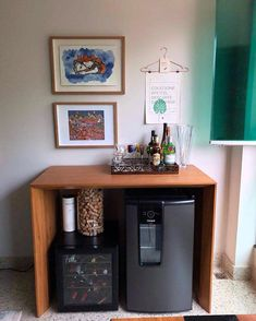 Home Bar Decor, Bar Home, Canto Bar, Glass Partition Designs, Apartment Bar, Living Room Bar, Small Fridges, Home Coffee Stations, First Apartment Decorating