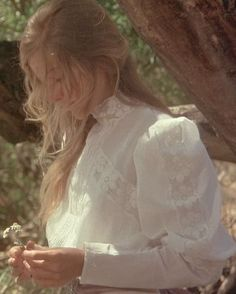 """Picnic at Hanging Rock"", 1975. I've seen this movie several times and it still creeps me out.:"