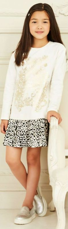 SALE !!! ROBERTO CAVALLI Girls Mini Me Ivory Leopard Dress for Fall Winter 2017-18. Inspired by the Roberto Cavalli Women's Collection. Cosy& comfy with designer's elaborate, shiny golden logo on the chest, & leopard print skirt below. Now on Sale! #kidsfashion #fashionkids #girlsdresses #childrensclothing #girlsclothes #girlsclothing #girlsfashion #minime #mommyandme #cute #girl #kids #robertocavalli #fashion