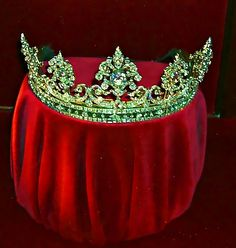 Kingdom:  A #crown for the #Kingdom ~ Emerald and Diamond Tiara of the Duchess of Devonshire.