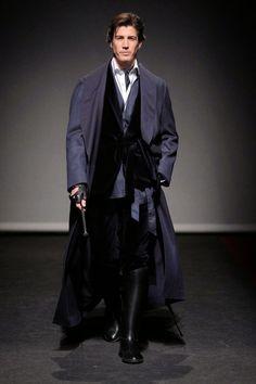 Emidio Tucci Fall Winter 2015. Blue Overcoat. Dark blue velvet suit, Riding boots. Gentleman´s Look.