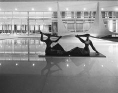 Palácio da Alvorada - foto PETER SCHEIER -- Oscar Niemeyer, 1956 - Brasília DF - Acervo Instituto Moreira Salles