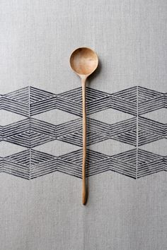 hand carved spoon on hand stamped fabric by Ariele Alasko @ brooklyn to west Japanese Patterns, Japanese Design, Textures Patterns, Color Patterns, Line Patterns, Print Texture, Pretty Patterns, Textile Design, Fabric Design