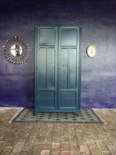 les 78 meilleures images du tableau meubles parisiens. Black Bedroom Furniture Sets. Home Design Ideas