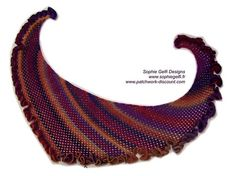 Ravelry: Flamenco Shawlette pattern by Sophie GELFI Designs