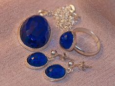 Grace 1 / Sapphire blue a dazzling colour used by by gejewellery