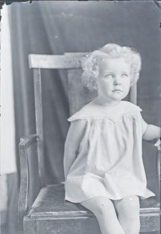Genealogy's Star: Mystery Photos of the Week