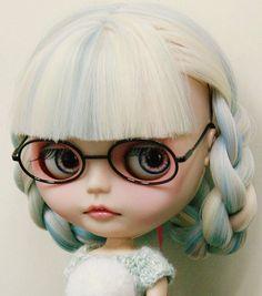 Feeler, via Flickr. #blythe #doll
