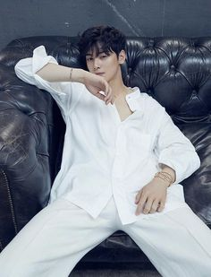 ASTRO's Cha Eun Woo proves that he is the king of visuals in his latest pictorial with Harper's BAZAAR. The idol and actor graced the maga… Cute Korean Boys, Asian Boys, Cute Boys, Kpop, Park Jin Woo, Cha Eunwoo Astro, Lee Dong Min, Joo Hyuk, Kdrama Actors