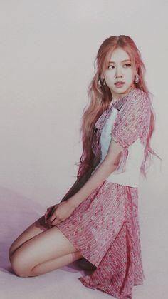 Rosé, Roseane Park, Park ChaeYeong, ñ importa seu nome, és a rosa mais linda do campo Kim Jennie, Kpop Girl Groups, Kpop Girls, Rose Icon, Blackpink Photos, Blackpink Fashion, Rose Wallpaper, Park Chaeyoung, Blackpink Jisoo