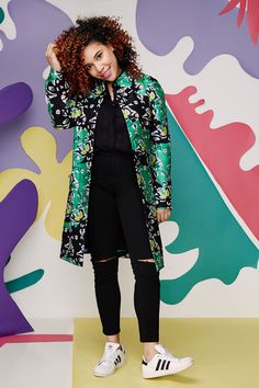 "6 Fresh Takes On Spring's Biggest Trends #refinery29  http://www.refinery29.com/how-to-wear-spring-2015-trends#slide-2  Candace's Style Move: Ground a super-bold floral jacket with neutral and sporty pieces.""I don't do bold prints too often in my wardrobe, but when I do, it's usually as my big statement piece. I like to keep the rest of my outfit relatively simple. With a coat this bold, the rest of your outfit doesn't have to be too styled out for you to have a great look, and the combo of…"