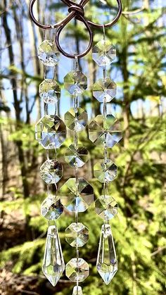 Crystal Wind Chimes, Diy Wind Chimes, Hanging Crystals, Diy Crystals, Garden Crafts, Garden Art, Garden Design, Suncatchers, Summer Crafts For Toddlers