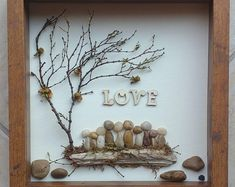 Unique Decoration With Pebble Art Crafts 37 Stone Crafts, Rock Crafts, Arts And Crafts, Art Crafts, Nature Crafts, Rock Family, Family Family, Family Gifts, Pebble Art Family