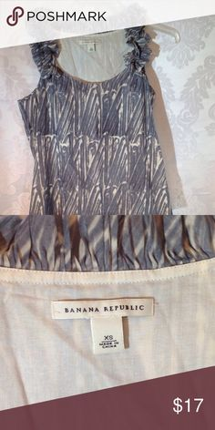 💛Banana Republic Top Blue and White sleeveless top.  Wear alone or under a cardigan. Banana Republic Tops Tank Tops