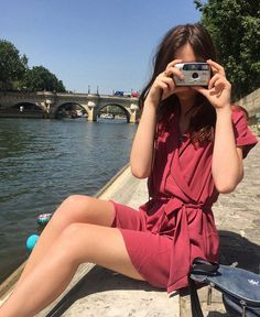 Find images and videos about camera, france and photograph on We Heart It - the app to get lost in what you love. Anna And The French Kiss, French Actress, Strike A Pose, Actresses, Poses, Instagram Posts, Clothes, Adventurer, Iphone