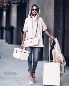 "Polubienia: 13.6 tys., komentarze: 141 – Annabelle Fleur (@vivaluxuryblog) na Instagramie: ""Talking about packing for #nyfw, my travel style + @shopstyle feature on #VivaLuxury today ✈️😊…"""