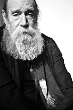 Lawrence Weiner (born 1942, NY Bronx) is one of the central figures in the formation of conceptual art in the 1960s. His work often takes the form of typographic texts.