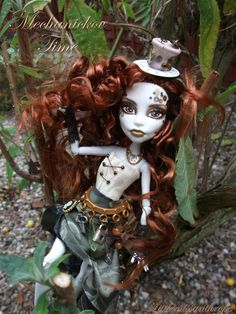 """Mechanickov Time"", daughter of Father Time. ('Monster High' custom character doll)"