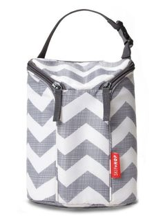 Buy Skip Hop Insulated Breastmilk Cooler And Baby Bottle Bag, Grab & Go Double, Chevron with big discount! Get Skip Hop Insulated Breastmilk Cooler And Baby Bottle Bag, Grab & Go Double, Chevron with worldwide shipping now! Baby Bottle Bag, Baby Bottles, Drink Bottles, Baby Bottle Cooler, Insulated Bags, Diaper Bag Essentials, Best Diaper Bag, Diaper Bags, Baby Registry Items