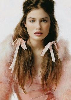 and the hair. For the ultimate look this Valentine's Day, go for soft, romantic hairstyles like loose braids, pigtails with ribbons, or heart-shaped buns. Hair Rainbow, Pinky Girls, Glamour France, Lisa Eldridge, Romantic Hairstyles, Pretty In Pink, Pretty Hair, Pretty Makeup, Hair And Nails