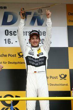 Mercedes-Benz Pilot Christian Vietoris (Original-Teile Mercedes AMG C-Coupé) gewann vor 65.000 Zuschauern (am gesamten Wochenende) das zweite Saisonrennen der DTM in der Motorsport Arena Oschersleben.