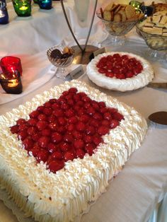 Vesa 50 kakku Tiramisu, Raspberry, Fruit, Ethnic Recipes, Food, Cake Birthday, Pastries, Essen, Meals