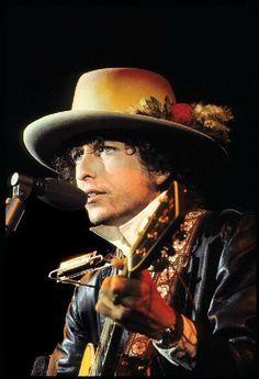 """#86 - Bob Dylan - """"Like a Rolling Stone"""" - https://www.youtube.com/watch?v=g1s47L8DrJ0"""