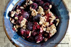 #Vegan Berry Crisp: Made Gluten Free with Oats and Low amount of Agave Nectar, great choice for diabetics, people with heart disease, and anyone wanting an anti-inflammatory, healthy dessert #norefinedsugar #glutenfree #glutenfreedesserts #healthydesserts #toothfood www.toothfood.com