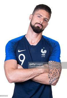 Olivier Giroud of France poses for a portrait during the official FIFA World Cup 2018 portrait session at the Team Hotel on June 11 2018 in Moscow. Fc Chelsea, Chelsea Football, Soccer Guys, Football Players, World Cup 2018, Fifa World Cup, New Hair Do, Real Madrid Football, Vintage Man