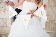Benutzerdefinierte Bunting, personalisierte Bunting, Hochzeit Foto Prop, Party Dekoration, Hochzeit Bunting, Hochzeit Dekoration, Hochzeit-Schilder, erste Bunting von LePetitMariage auf Etsy https://www.etsy.com/de/listing/162991397/benutzerdefinierte-bunting