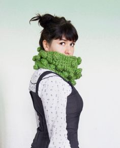 Big Chunky Bubble Cowl in Grass by KattysHandcrafts on Etsy, $45.00