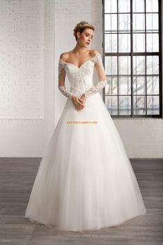 Robe de mariée tulle avec manches col en v princesse charment