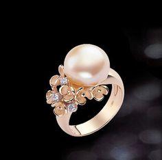 ANNAMARIA CAMMILLI | BLOSSOM BAROQUE Gems Jewelry, Pearl Jewelry, Diamond Jewelry, Jewelery, Pearl Rings, Silver Jewellery, Pretty Rings, Beautiful Rings, Pearl Stud Earrings