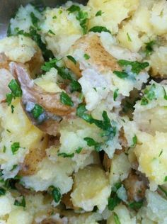 Shaked chaos potatos with herbs. A wonderful summer side dish