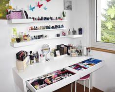 rangement maquillage maisondumonde coiffeuse et rangement make up pinterest. Black Bedroom Furniture Sets. Home Design Ideas