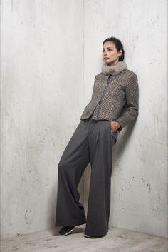 Peserico Milano - Pre-Fall - Shows - Vogue. Grey Fashion, Fashion Over 50, Cute Fashion, Fashion Outfits, Womens Fashion, Fall Winter Outfits, Autumn Winter Fashion, Royal Blue Outfits, Classy Women