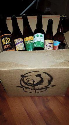 Yeahhh. Ik heb voor Vaderdag Beer in a Box gekregen. Dankje lieve Jill en Noud #beerinabox, aldus Harry van Kuppeveld op Facebook Keep In Mind, Ipa, Beer Bottle, Fans, Boyfriend, Facebook, Beer Bottles