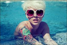Ugghhh, she's what I wish I looked like with short platinum hair....