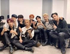 Kids Icon, Kids Wallpaper, Lee Know, Love You Forever, Kpop Boy, Boy Groups, Photoshoot, Shit Happens, Couple Photos