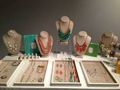 stella and dot trunk show display