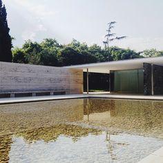 Pavelló Mies van der Rohe (Barcelona Pavilion) in Barcelona / designed by Mies van der Rohe (photo by Teodorik Mensl)