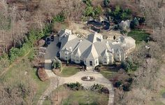 Russell and Kimora Lee Simmons Finally Sell Their Saddle River Mega Mansion Mega Mansions, Mansions Homes, Luxury Mansions, Luxury Life, Luxury Real Estate, Luxury Homes, Celebrity Mansions, Celebrity Houses, Kimora Lee