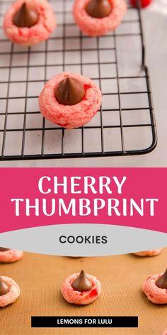 Holiday Cookie Recipes, Best Cookie Recipes, Sweet Recipes, Amish Sugar Cookies, Sugar Cookies Recipe, Homemade Chocolate Sauce, Chocolate Recipes, Dessert Recipes, Bar Recipes