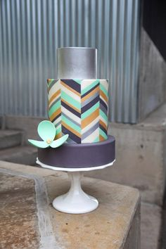 Make Modern Cakes in Craftsy's Class: Simply Modern Cake Design