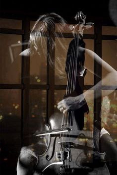 My daughter gets into her cello, so this reminds me of her. Double Exposition, Exposition Photo, Cello Art, Photographie Portrait Inspiration, Fotografia Macro, Foto Art, Music Photo, Music Love, Soul Music