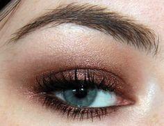 golden bronze eye makeup