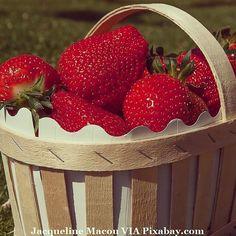 #food #health #healthfood #healthcare #healthylifestyle #healthydiet #healthyeats #healthyfood #healthyeating #healthyliving #healthychoices #foodnetwork #foodblogger #foodbeast #foodstagram #foods #foodstyling #fooddiary #foodshare #foodphoto #foodiegram #foodaddict #foodofinstagram #foodpics #foodisfuel #foodlovers #fragole #strawberries #fruits
