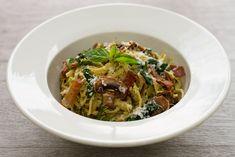 Pesto, prosciutto, mushrooms spaghetti Mascarpone ou crême fraîche