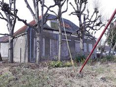 2018 Berkel foto Heleen van Zantvoort Abandoned Houses, Garden Tools, Van, Abandoned Homes, Yard Tools, Vans, Abandoned Mansions, Vans Outfit